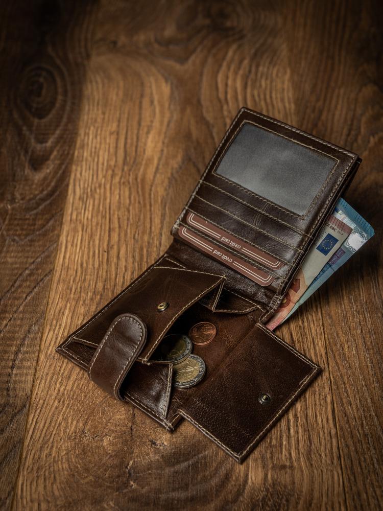 Kožená pánská peněženka na šířku s přezkou Grand, hnědá