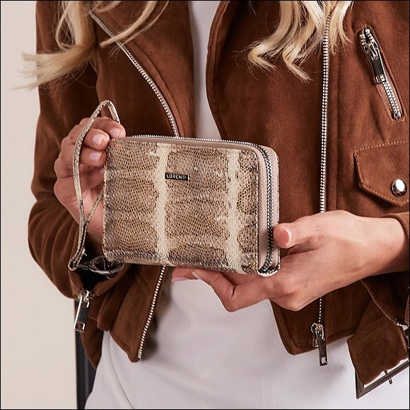 Kožená peněženka s imitací hadí kůže Vera, zlatá