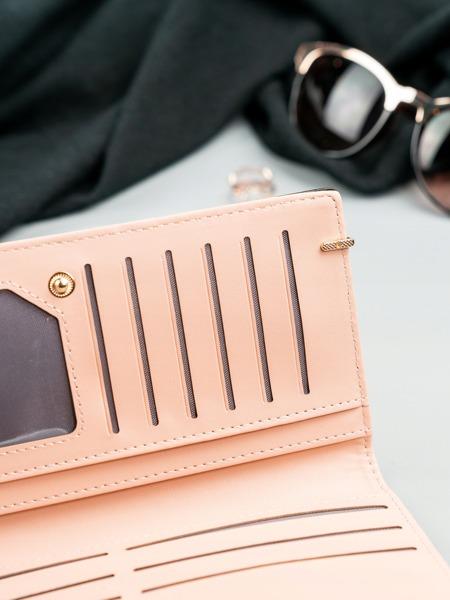 Větší šikovná dámská peněženka Milan, černá lakovaná