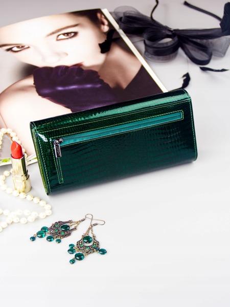 Lesklá obdélná peněženka pro dámy, zelená