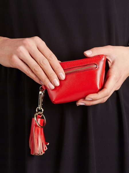 Malá moderní peněženka s přívěškem, světle červená