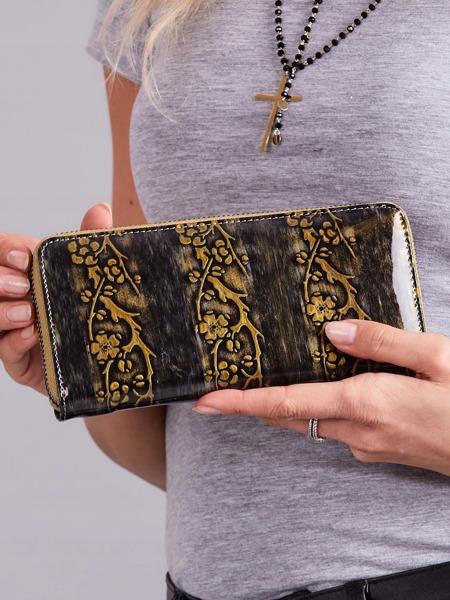 Kožená lakovaná peněženka na zip Lassy, zlatá