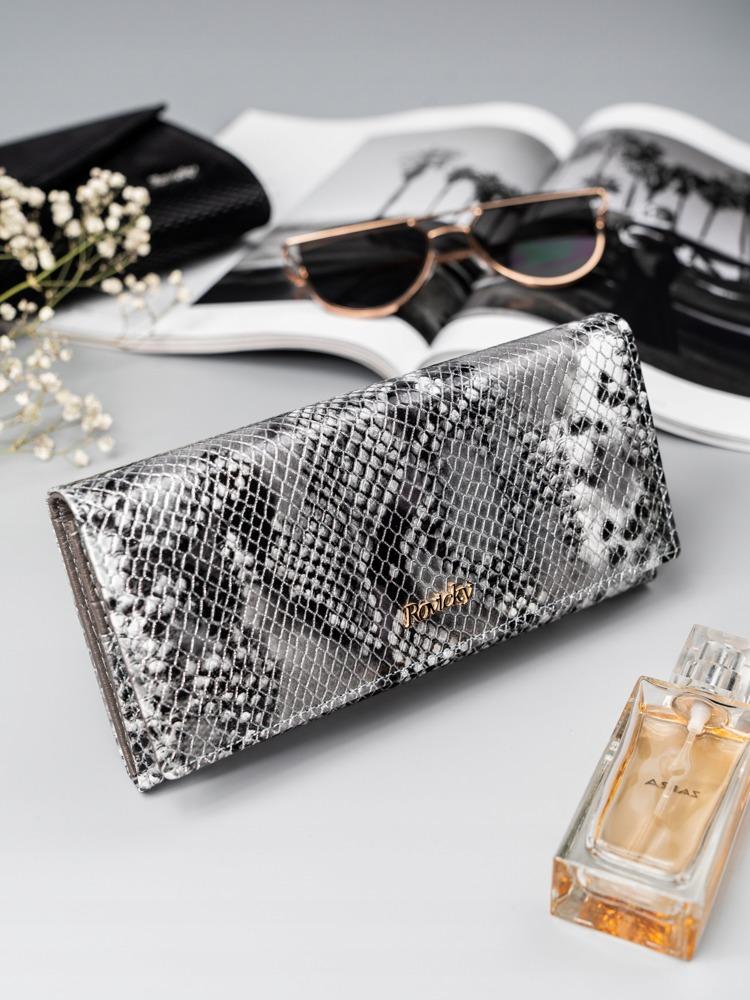 Luxusní kožená peněženka se vzorem hadí kůže Lea, stříbrná