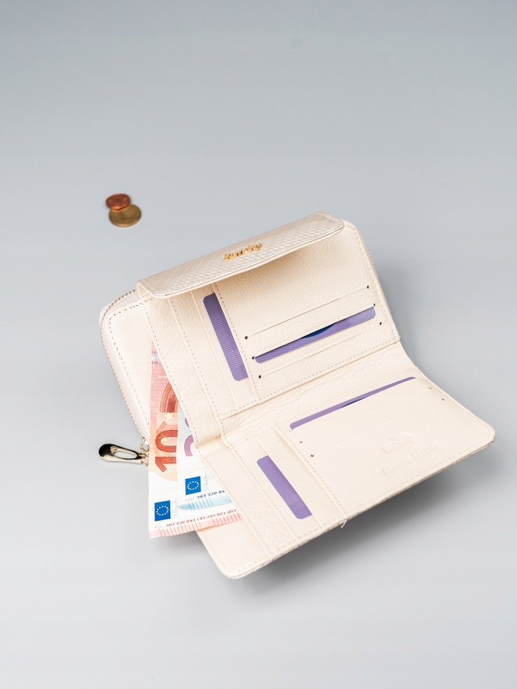 Lesklá dámská peněženka z přírodní kůže Caira, béžová