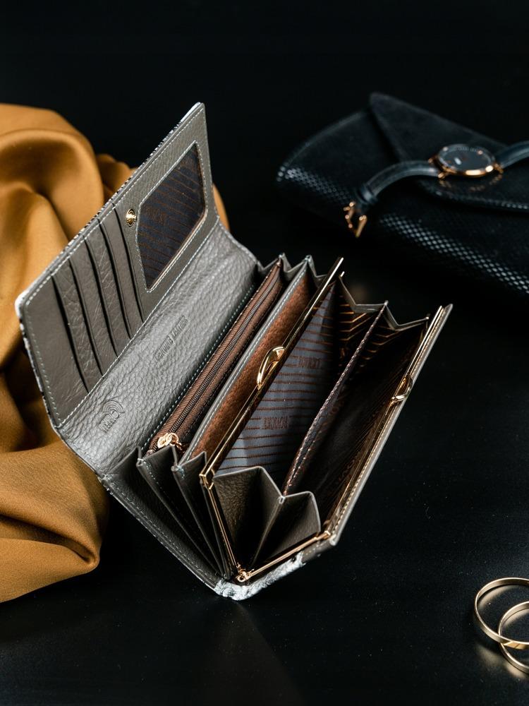 Dámská kožená peněženka se vzorem Chiarina stříbrná