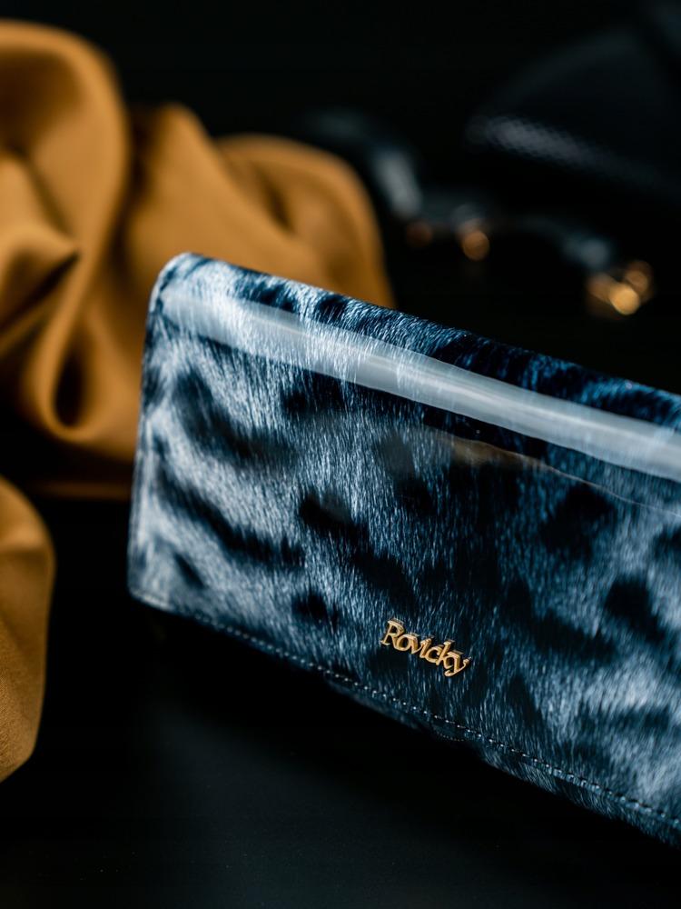 Dámská kožená peněženka se vzorem kožešiny Lea, černá