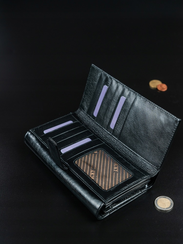 Hladká kožená peněženka Rebarbora, černá