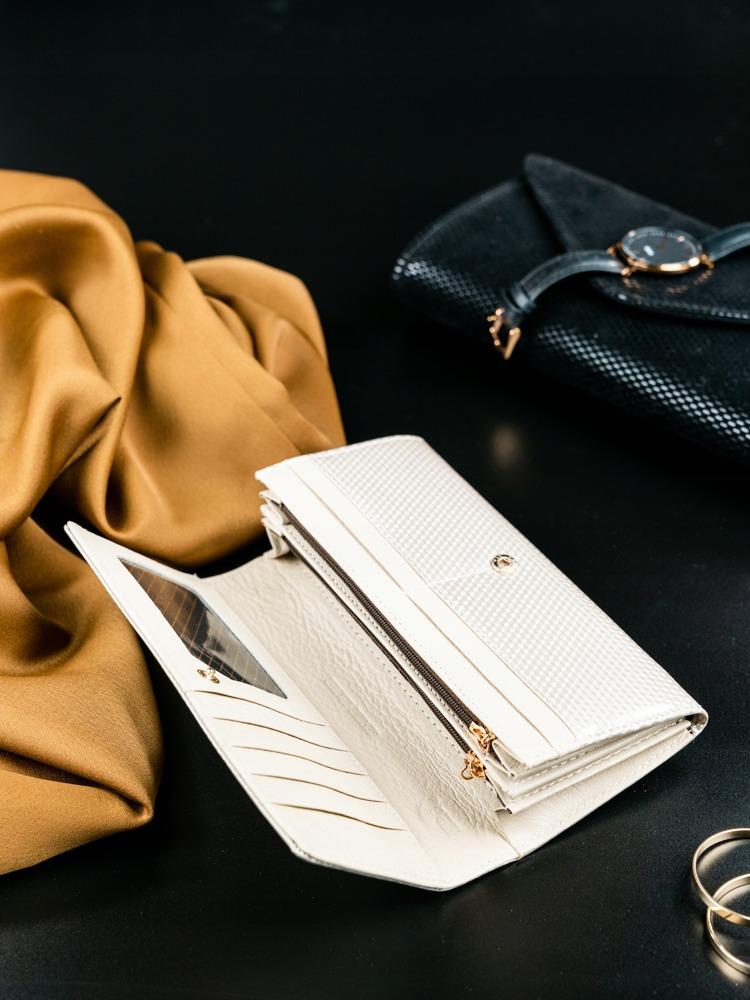 Kožená lakovaná dámská peněženka Joanne, béžová