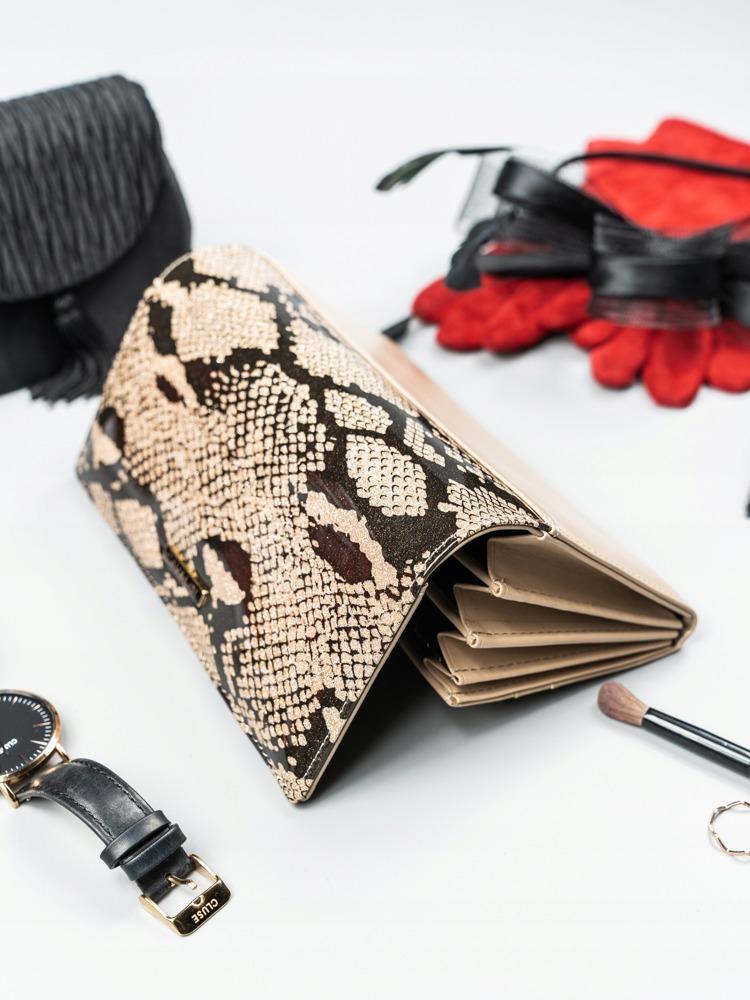Kožená penženka se vzorem hadí kůže Barbora, zlatá