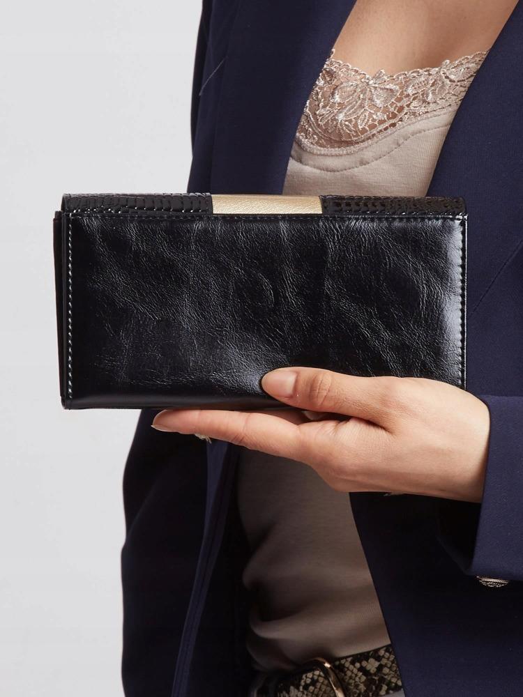 Zajímavá kožená lakovaná peněženka Tina, černo-zlatá