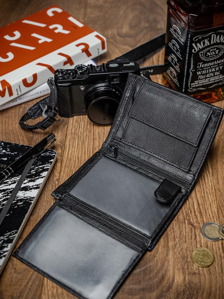 Praktická pánská kožená peněženka Cody, černo-modrá
