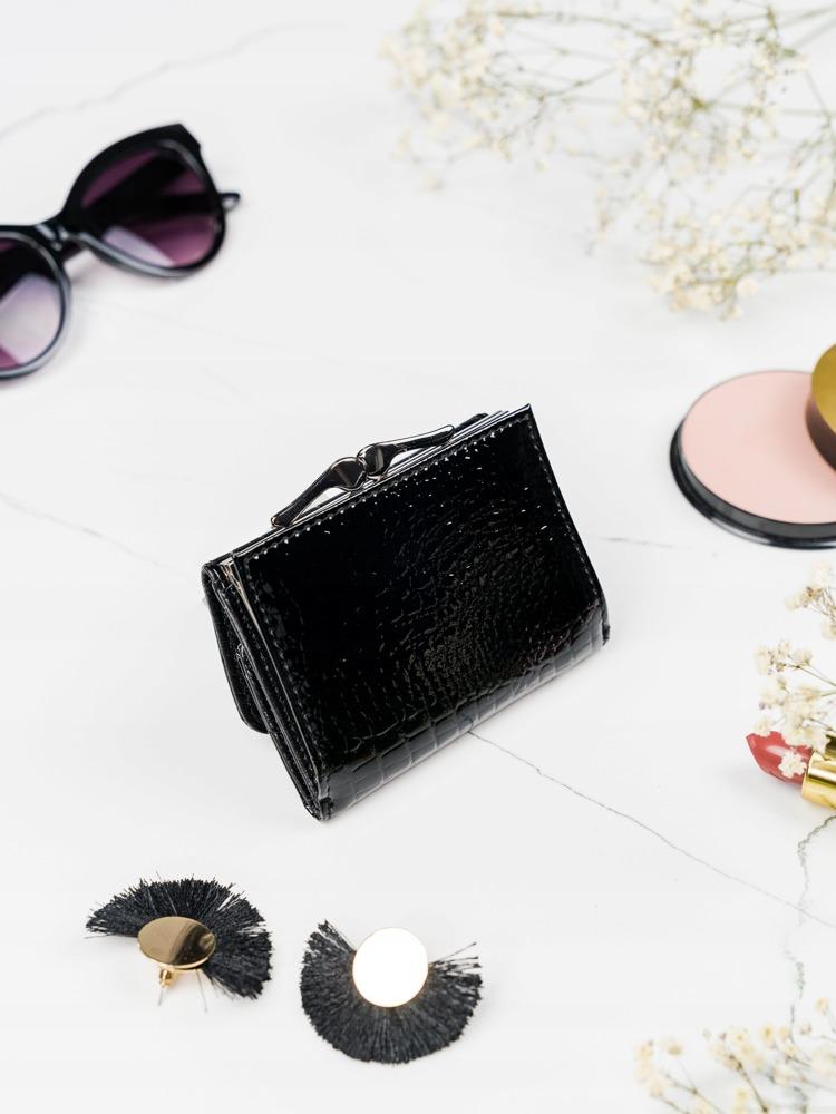 Malá praktická kožená peněženka Fren, černá