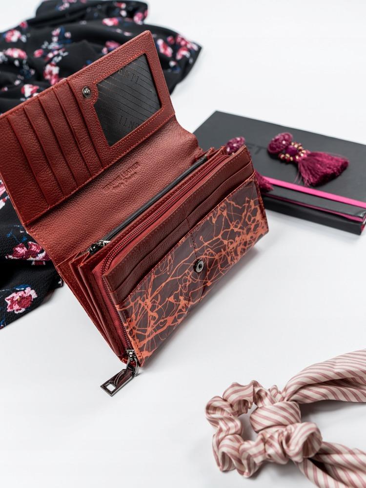 Prostorná červená peněženka z kůže Tora