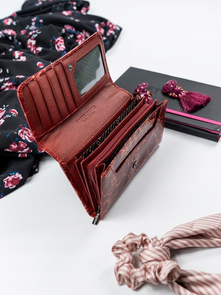 Větší moderní červená peněženka z kůže Frea