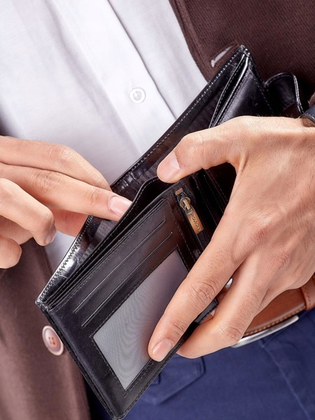 Kožená pánská peněženka na šířku s klopou Ian, černá