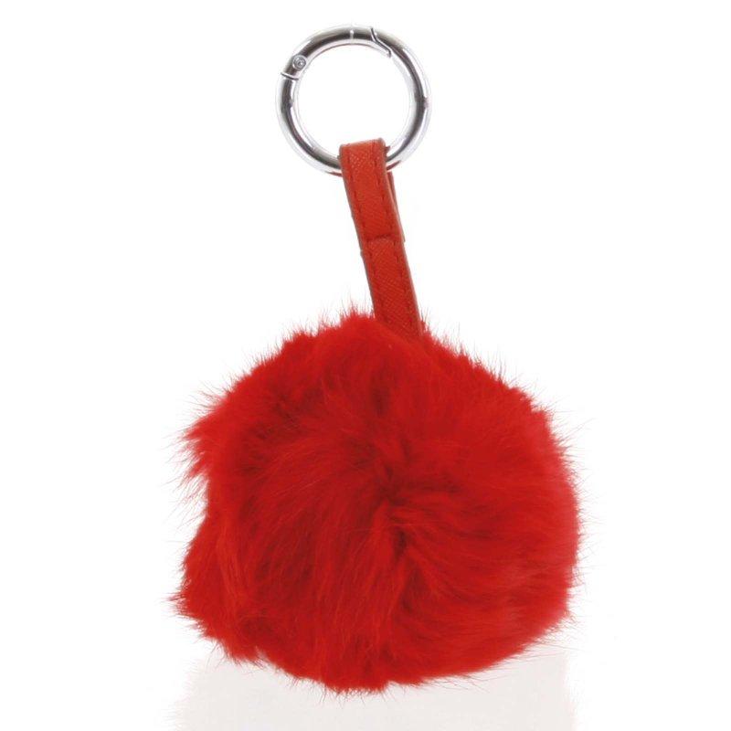 Přívěsek na kabelku chlupatá koule Annora červená