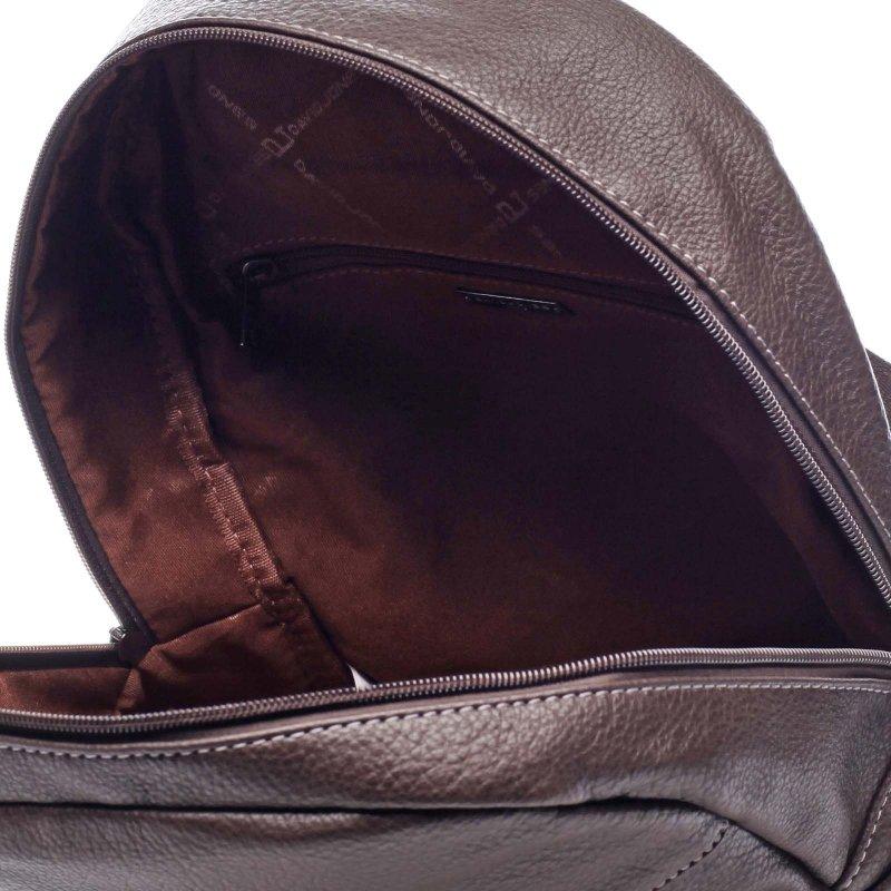 Praktický větší koženkový dámský batoh Olivia hnědá