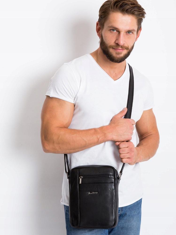 Praktická kožená taška přes rameno Fin, černá
