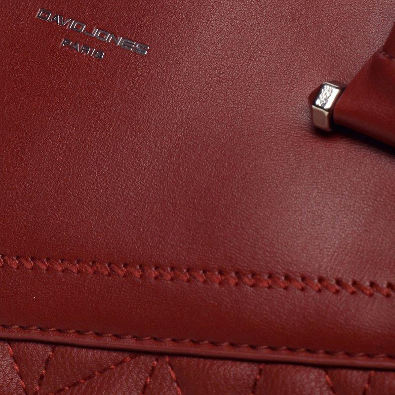 Pevná krásná dámská koženková kabelka Claire červená