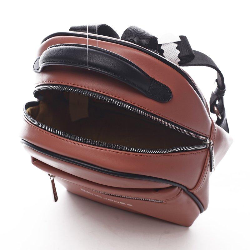 Menší sportovní koženkový batůžek Humbert červená