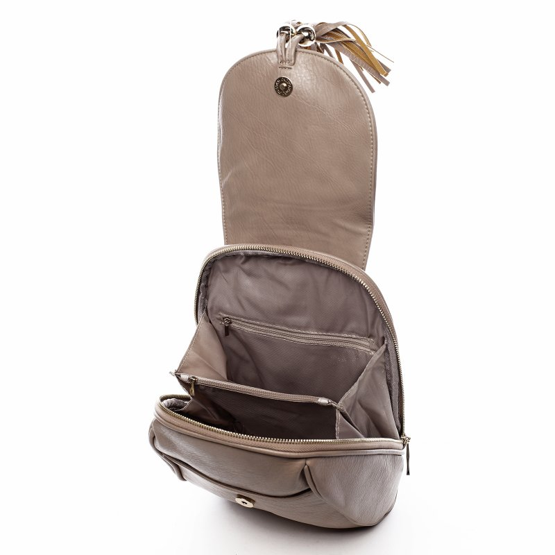 Nepřehlédnutelný městský koženkový batůžek Leoncé tmavě béžová