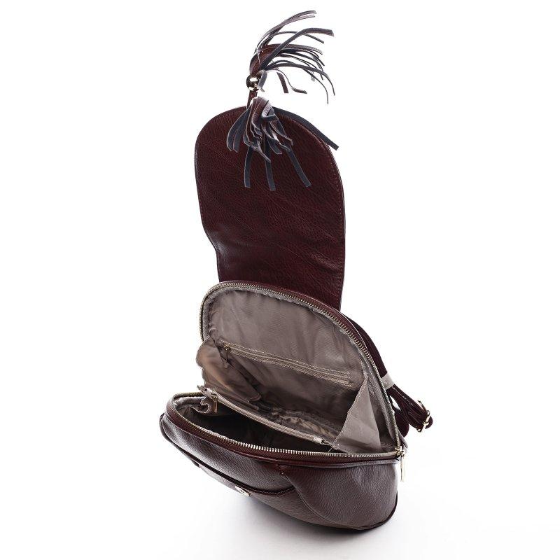 Nepřehlédnutelný městský koženkový batůžek Leoncé tmavá vínová