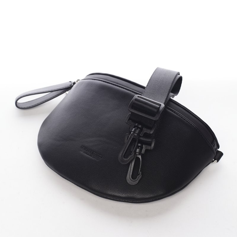 Menší sportovní crossbody koženková kabelka Sanaj, černá