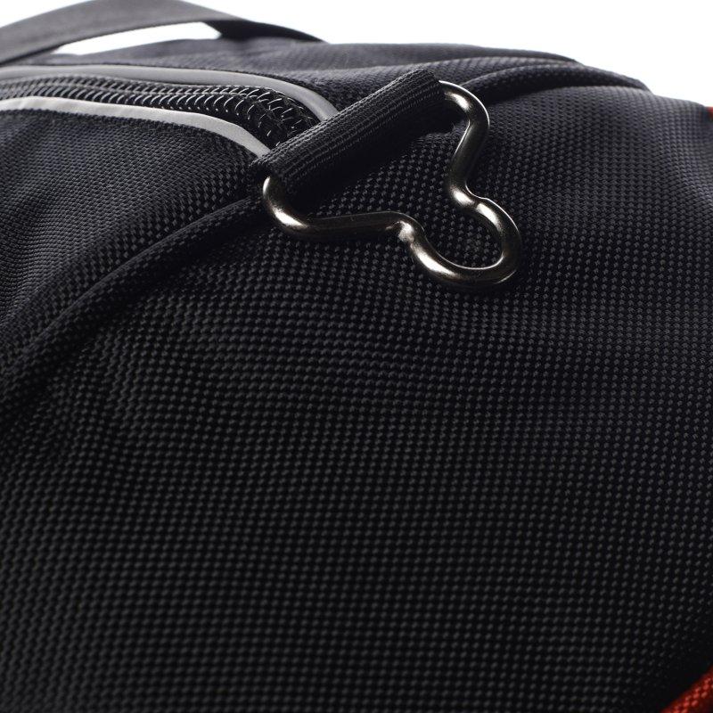 Praktická universální sportovní taška Amber černá