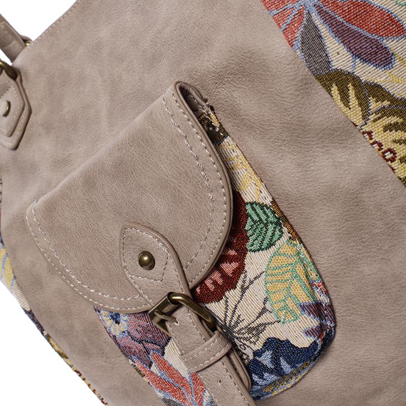 Trendová kabelka přes rameno Sabrina, camel
