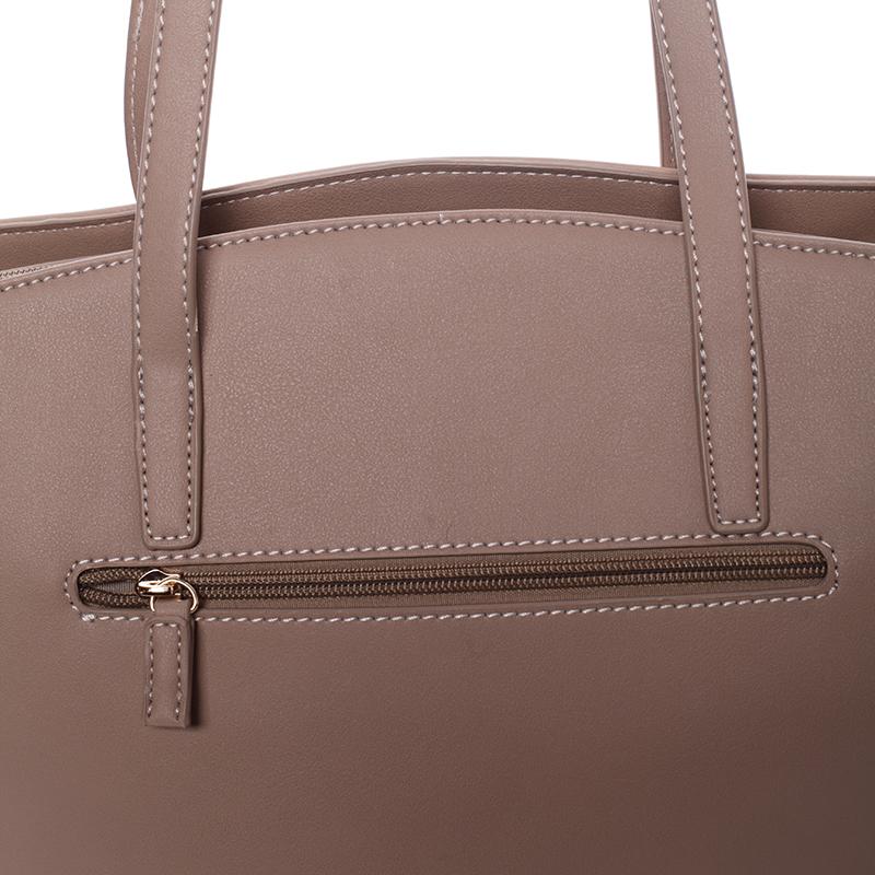 Elegantní kabelka přes rameno Kaia, camel