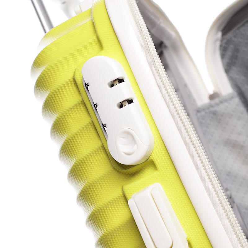 Stylový cestovní ORMI kufr 4 kolečka, vel.III, žlutý