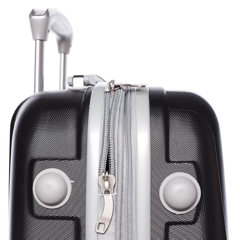 Cestovní ORMI kufr 4 kolečka, vel. II, černý