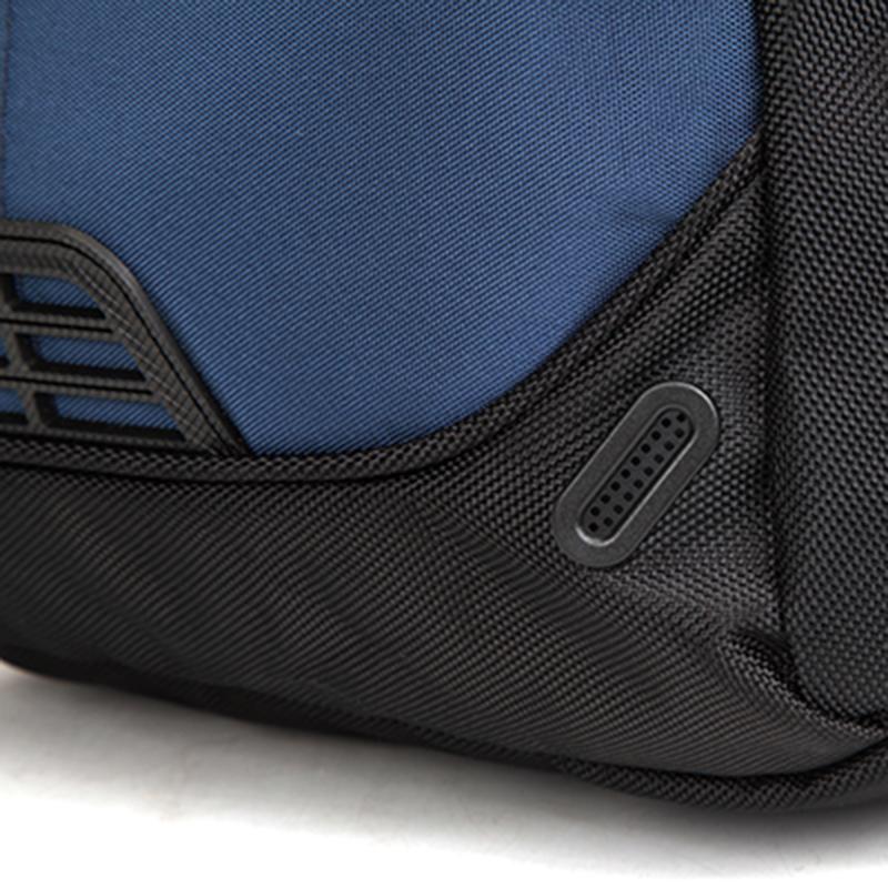 Kvalitní batoh pro sport, volný čas i do školy, modrý