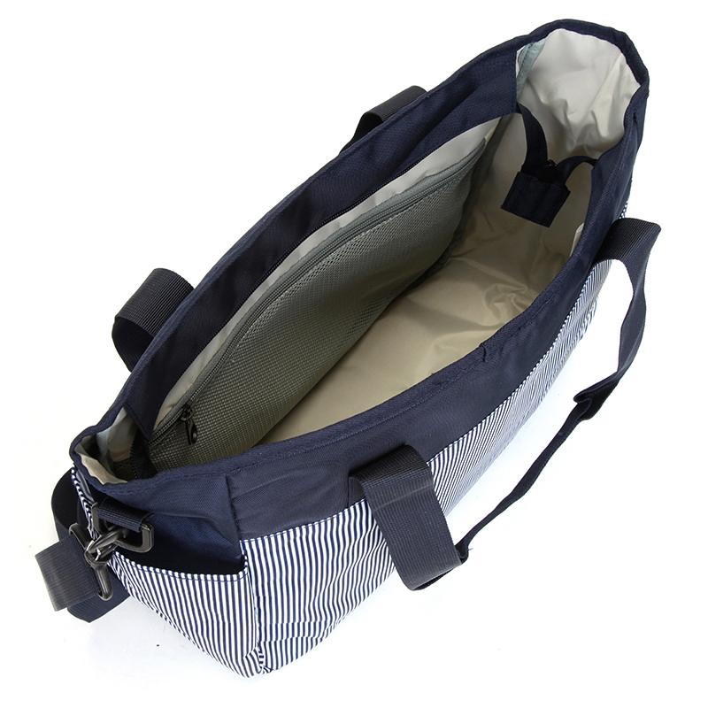 Trendy cestovní taška, modro-bílá
