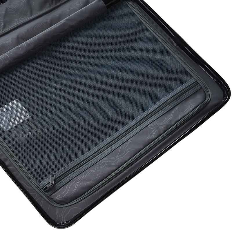 Cestovní kufr Higland, černý, vel. II, 4 kolečka