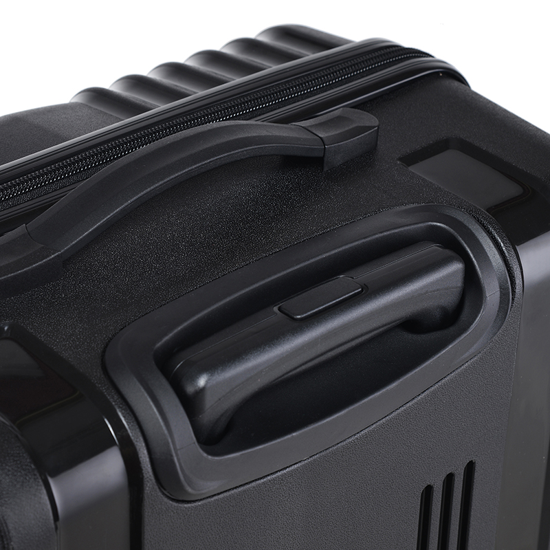 Cestovní kufr Higland, bílý, vel. III, 4 kolečka
